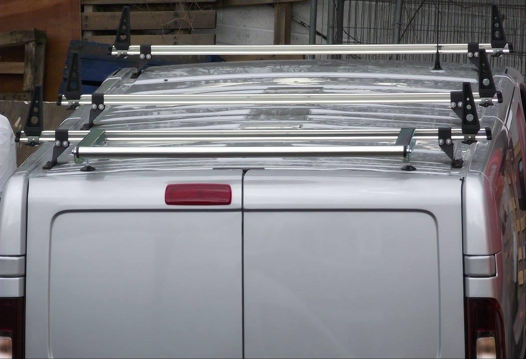 Vauxhall-Vivaro-Load-stops-3-delta-bars-and-rear-roller-4.jpg